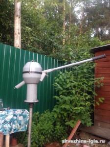 Абиссинская скважина с ручным насосом-качалкой.Пушкинский район, Московская область